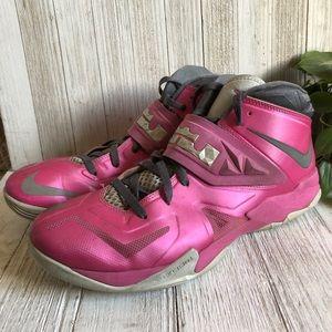 timeless design d6b7b ac663 Nike · Lebron James Breast Cancer Awareness Shoes